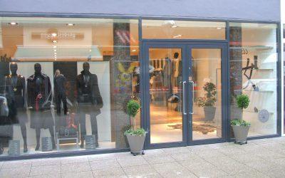 Leoness-ny-facade-400x250